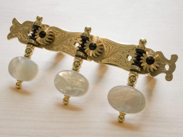 L156 Brass with light MoP buttons